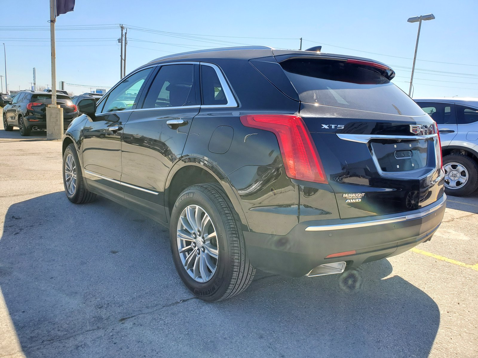 Certified Pre-Owned 2017 Cadillac XT5 Luxury AWD | CUE w/Navigation | Bose | Sunroof