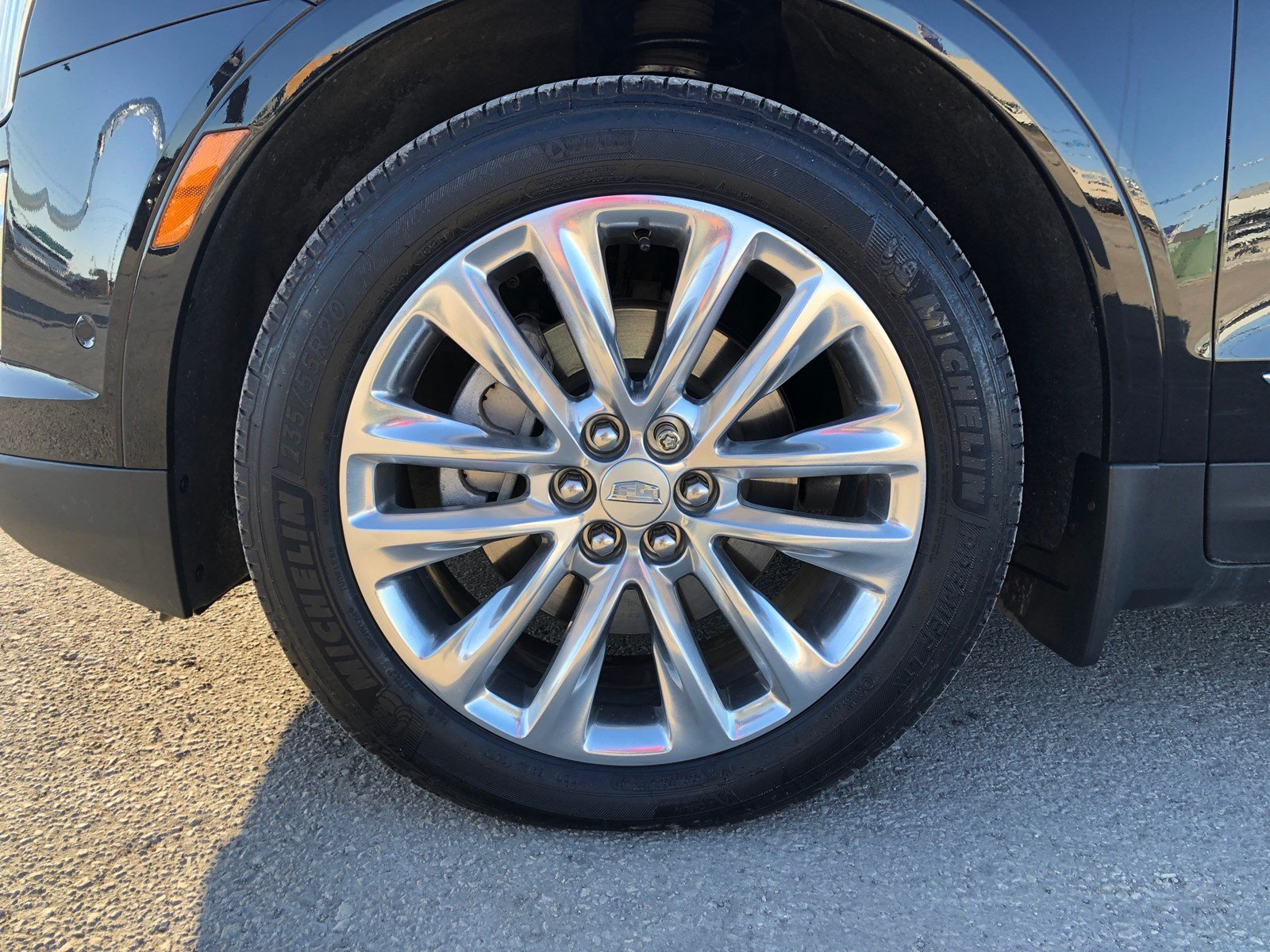 Pre-Owned 2017 Cadillac XT5 Platinum AWD | Suede Headliner | Cooled Seats